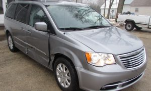 2013 Chrysler Town and Country Touring Front Right