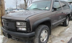 1992 GMC Yukon Front Left