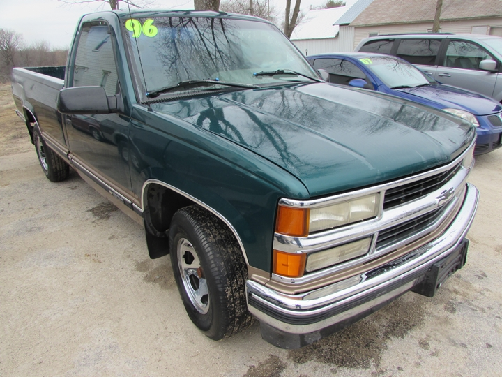 1996 Chevy C1500 Front Right