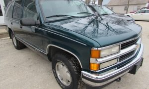 1996 Chevy Tahoe K1500 Fronty Right