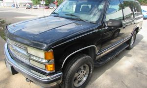 1999 Chevy Tahoe K1500 Front Left