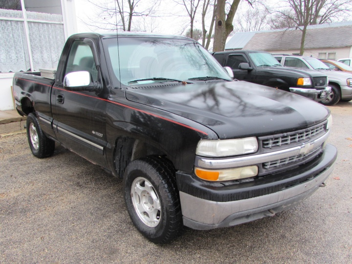 2000 Chevy Silverado K1500 LS Front Right