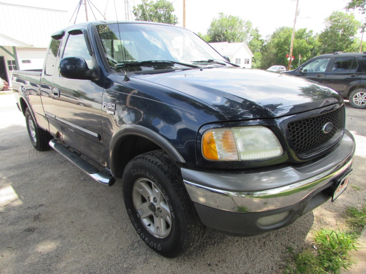 2002 Ford F150 XLTFront Right