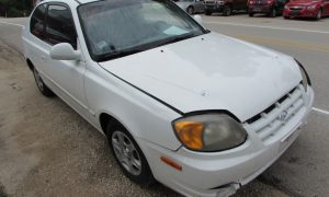 2003 Hyundai Accent GL Front Right