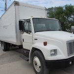 2003 Freightliner FL70 Front Right