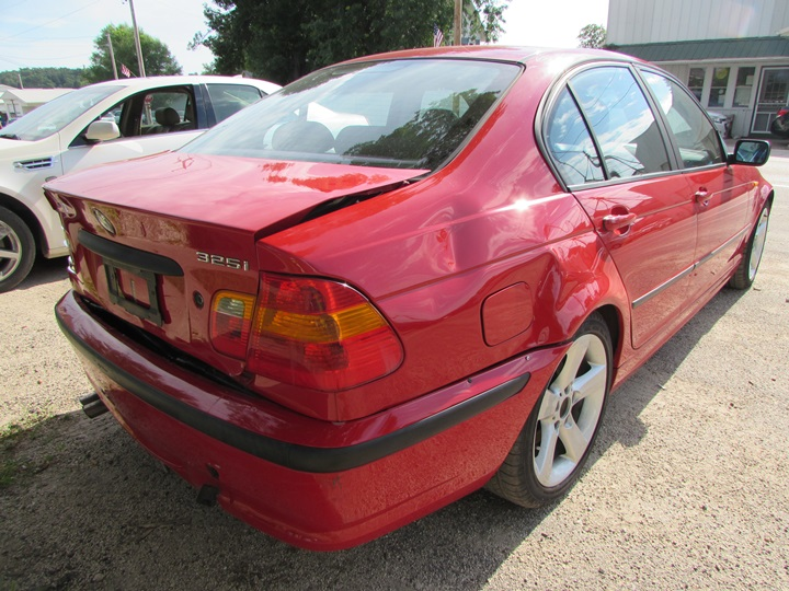 2004 BMW 325i Rear Right