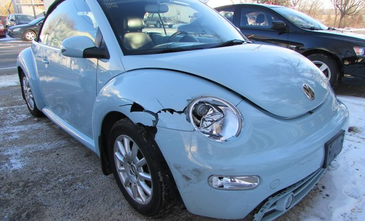 2004 VW New Beetle GLS Front Right