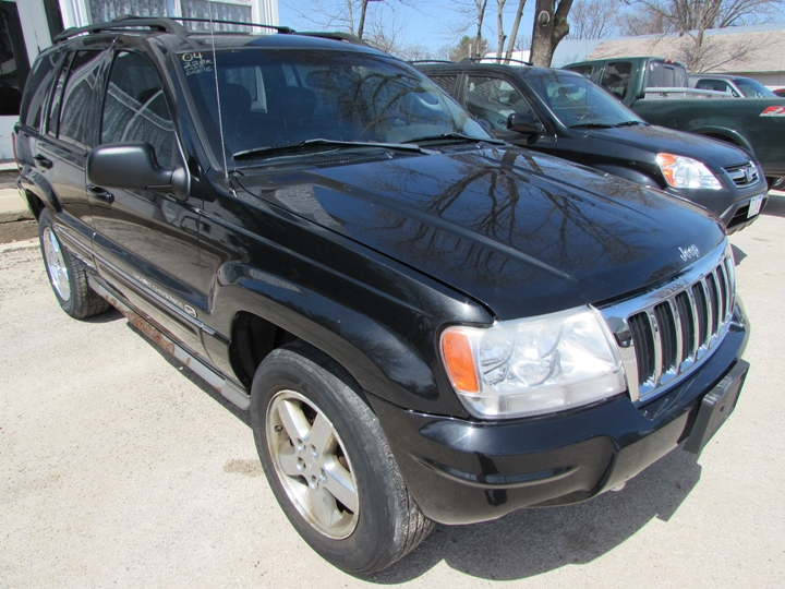 2004 Jeep Grand Cherokee Overland Front Right