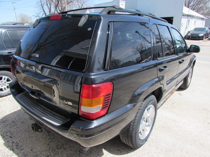 2004 Jeep Grand Cherokee Overland Rear Right