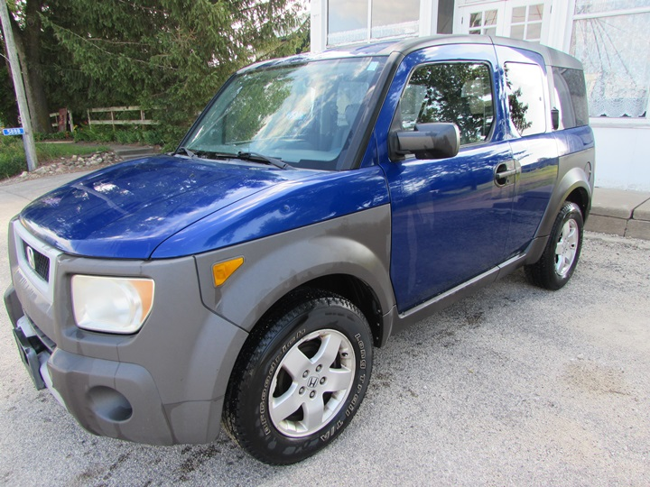 2004 Honda Element EX Front Left