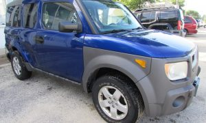 2004 Honda Element EX Front Right