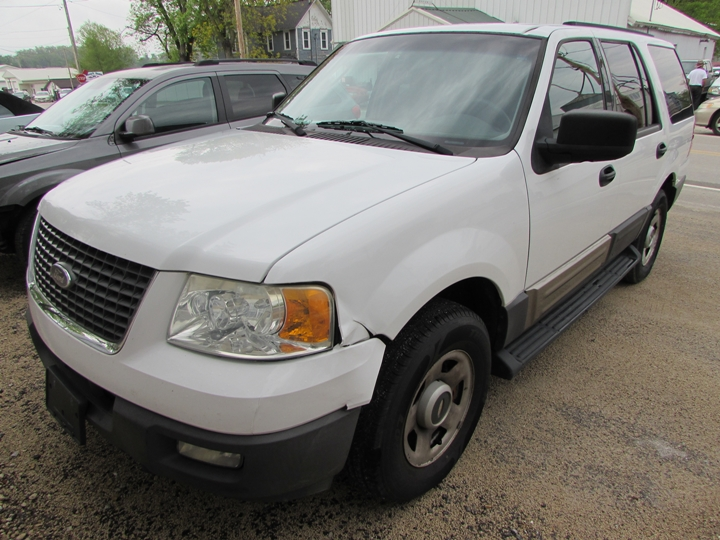 2004 Ford Expedition XLT Front Left