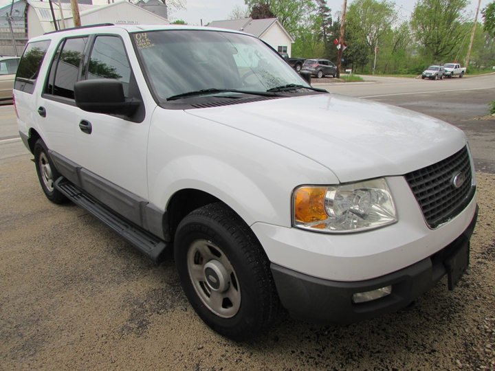 2004 Ford Expedition XLT Front Right