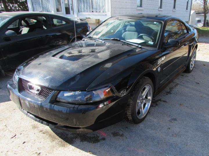 2004 Ford Mustang Front Left