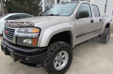 2004 GMC Canyon Front Left