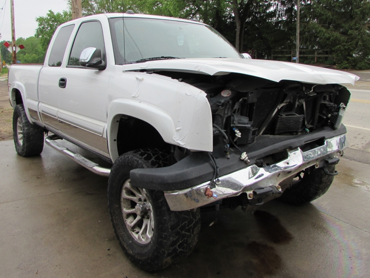 2004 Chevy Silverado K-1500 Front Right