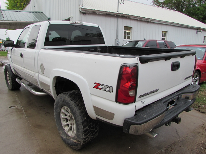 2004 Chevy Silverado K-1500 Rear Left
