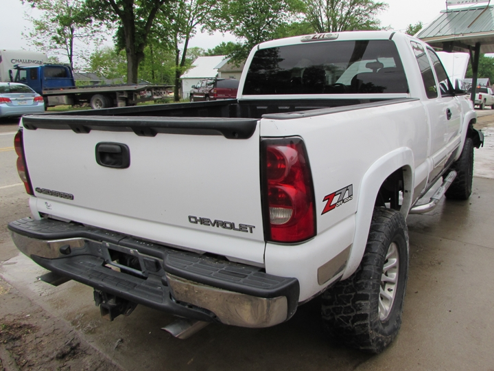 2004 Chevy Silverado K-1500 Rear Right