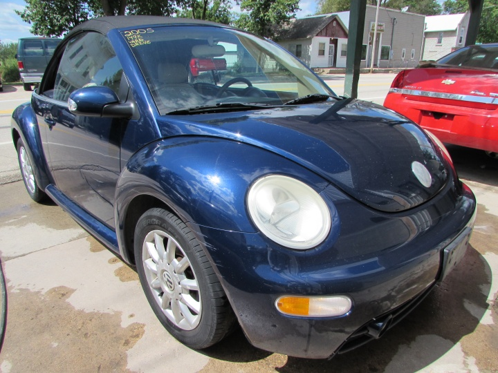 2005 VW New Beetle GLS Front Right