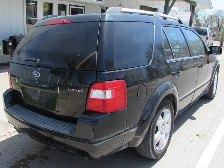 2005 Ford Freestyle Limited Rear Right