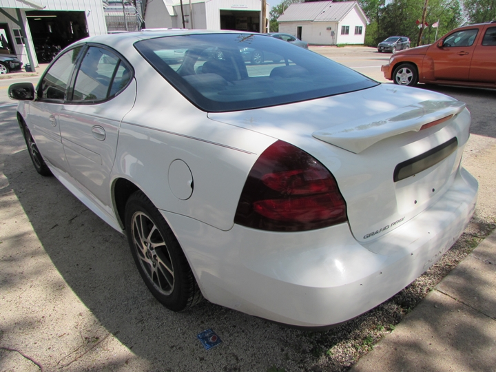 2005 Pontiac Grand Prix Rear Left