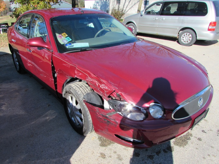 2005 Buick LaCrosse CX Front Right
