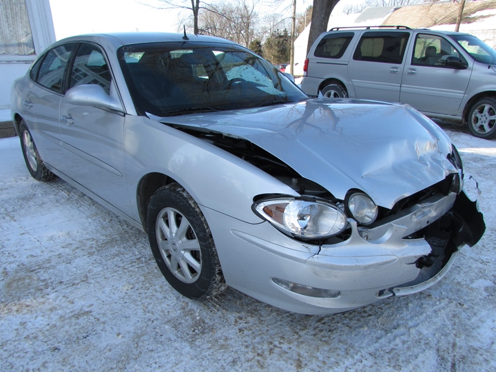 2005 Buick LaCrosse CXL Front Right