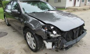 2005 Nissan Maxima SE Front Right