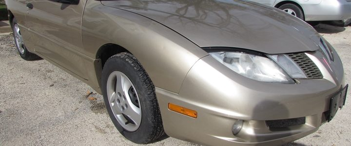 2005 Pontiac Sunfire Front Right