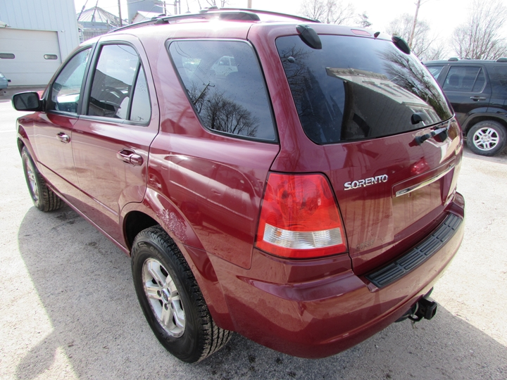 2005 Kia Sorento LX Rear Left