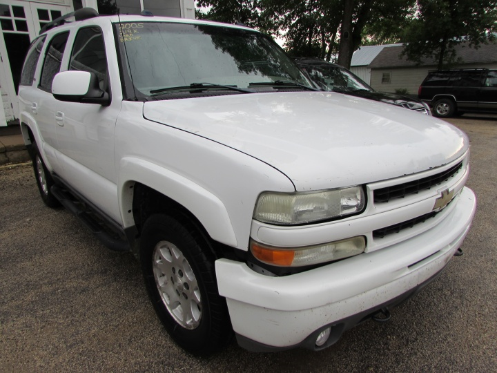 2005 Chevy Tahoe K1500 Front Right
