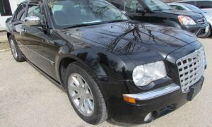 2006 Chrysler 300C Front Right