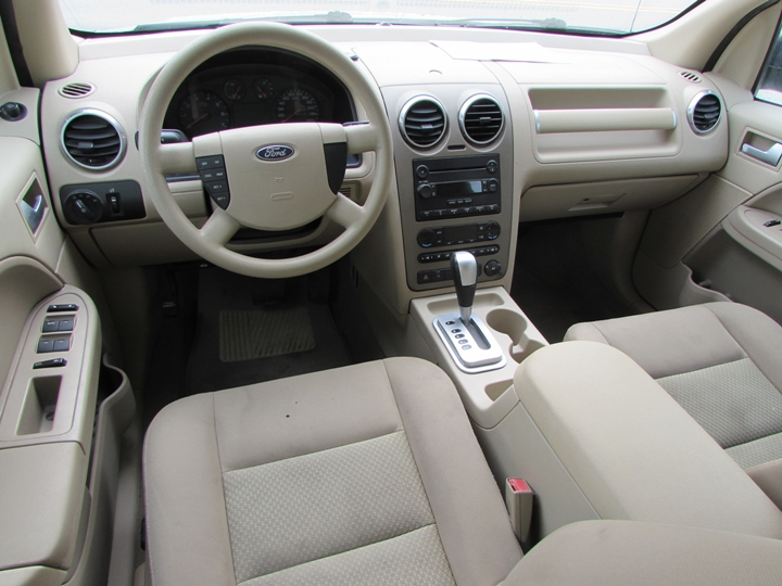2006 Ford Freestyle SE Interior