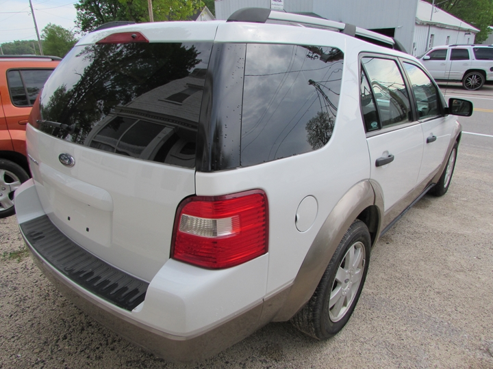 2006 Ford Freestyle SE Rear Right