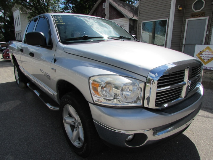 2006 Dodge Ram 1500 Front Right
