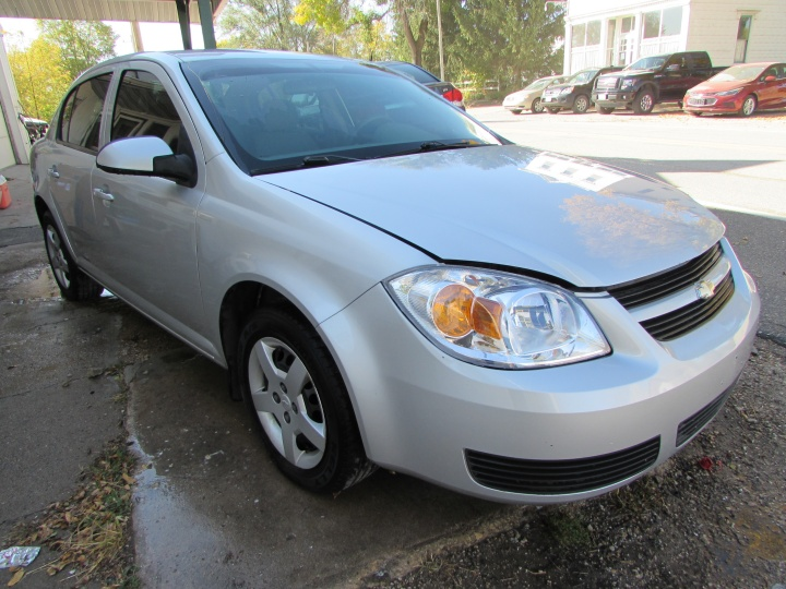 2007 Chevy Cobalt LT Front Right
