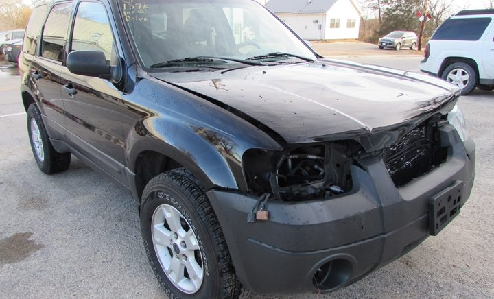 2007 Ford Escape XLT Front Right