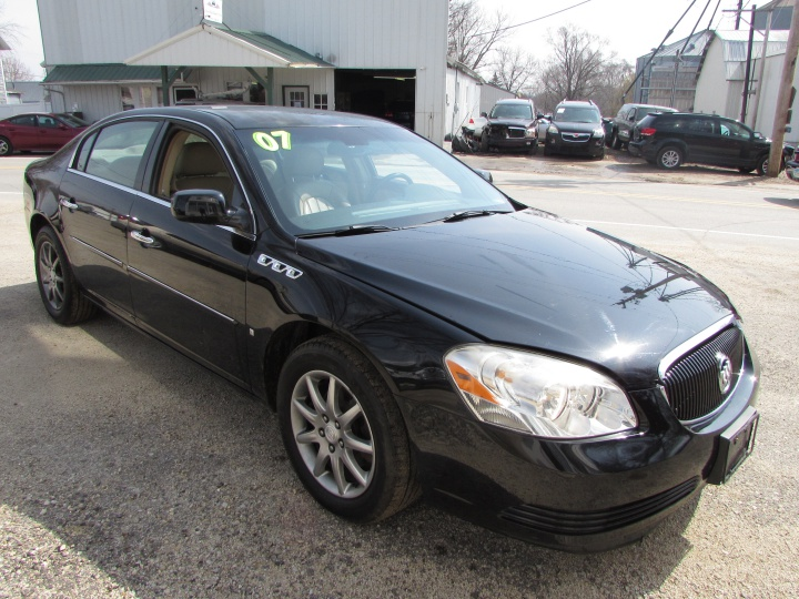 2007 Buick Lucerne CXL Front Right