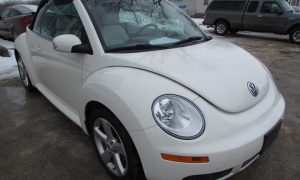 2007 VW New Beetle Front Right