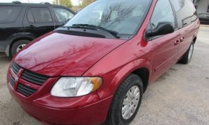 2007 Chrysler Town and Country LX Front Left