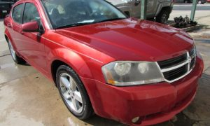2008 Dodge Avenger R/T Front Right
