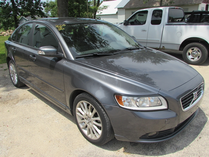 2008 Volvo S40 T5 Front Right