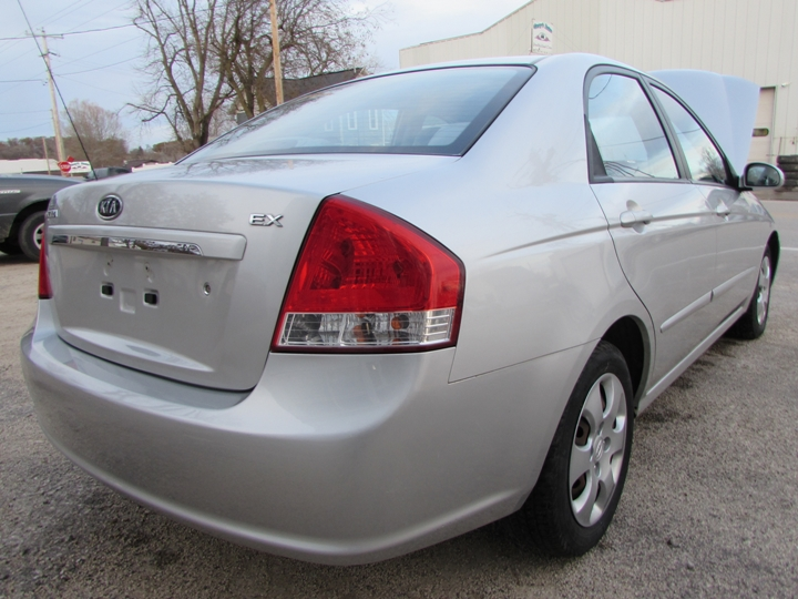 2008 Kia Spectra EX Rear Right