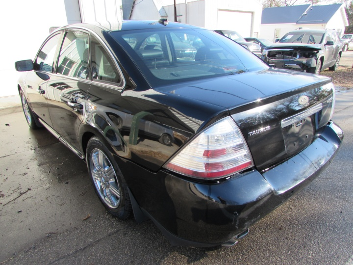 2008 Ford Taurus Limited Rear Left
