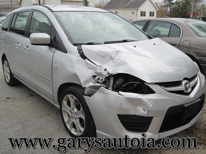 2005 Mazda 5 Front Right
