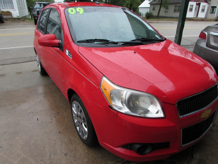 2009 Chevy Aveo LT Front Right