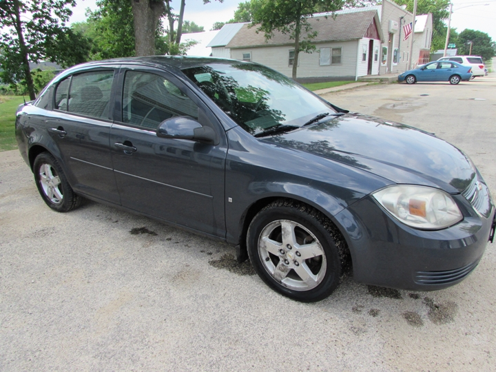2009 Chevy Cobalt LT Front Right