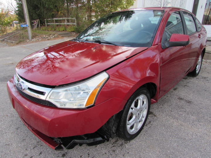 2009 Ford Focus SES Front Left