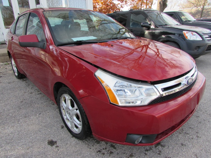 2009 Ford Focus SES Front Right