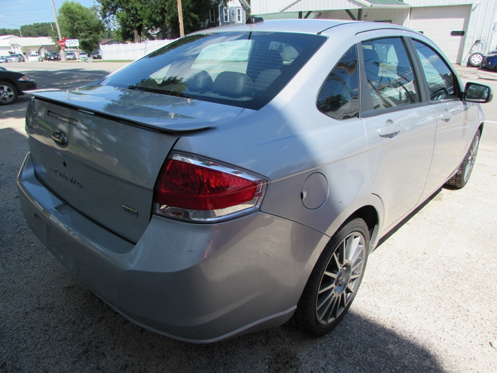 2009 Ford Focus SES Rear Right